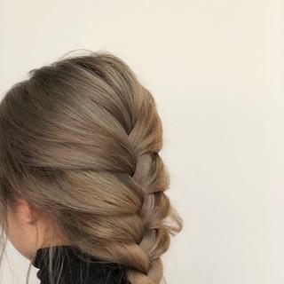 ヌーディベージュ ベージュ ヘアアレンジ ミルクティーベージュ ヘアスタイルや髪型の写真・画像
