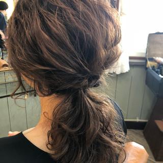 ミディアム ヘアアレンジ 結婚式 ナチュラル ヘアスタイルや髪型の写真・画像 ヘアスタイルや髪型の写真・画像