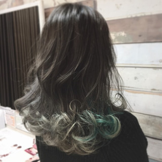 ダブルカラー 外国人風カラー グラデーションカラー ネイビー ヘアスタイルや髪型の写真・画像
