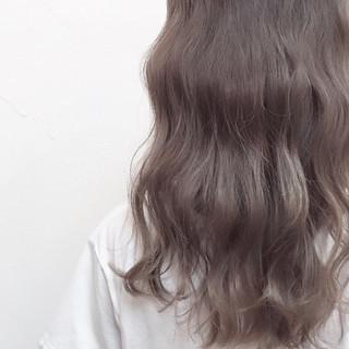 ハイライト フェミニン アッシュ 大人かわいい ヘアスタイルや髪型の写真・画像