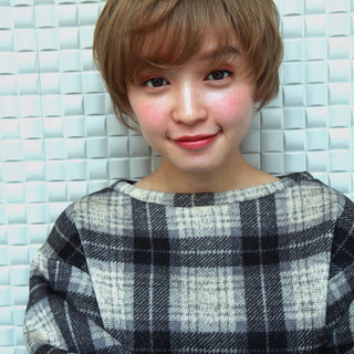 ショート 透明感 パーマ アンニュイ ヘアスタイルや髪型の写真・画像