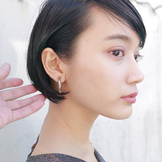 伸ばしかけ ショート 大人かわいい ニュアンス ヘアスタイルや髪型の写真・画像