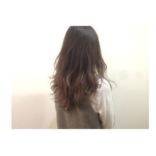 グラデーションカラー かき上げ前髪 前髪あり 大人かわいい ヘアスタイルや髪型の写真・画像