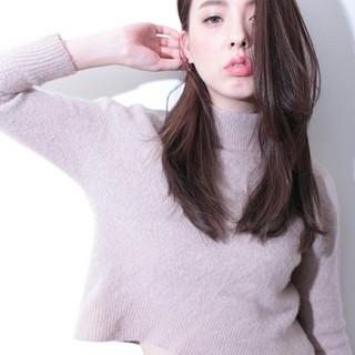 アッシュ 外国人風 ロング 大人かわいい ヘアスタイルや髪型の写真・画像 ヘアスタイルや髪型の写真・画像