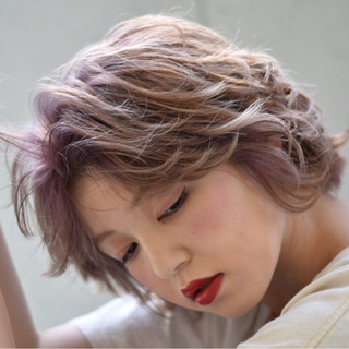 ウェーブ ヘアアレンジ リラックス アンニュイ ヘアスタイルや髪型の写真・画像