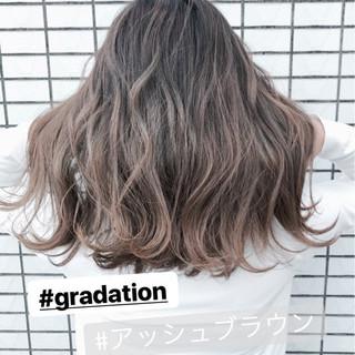 グラデーションカラー 外国人風 ハイライト ナチュラル ヘアスタイルや髪型の写真・画像