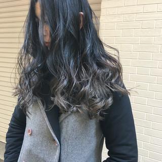 グレージュ エレガント 外国人風 グラデーションカラー ヘアスタイルや髪型の写真・画像