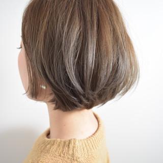 ナチュラル イルミナカラー ハイライト ショートボブ ヘアスタイルや髪型の写真・画像