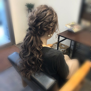 ロング ねじり ヘアアレンジ ポニーテール ヘアスタイルや髪型の写真・画像
