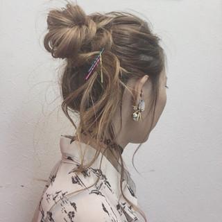 ヘアアレンジ ロング ヘアピン お団子 ヘアスタイルや髪型の写真・画像