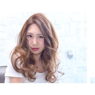 ガーリー ロング ゆるふわ 外国人風 ヘアスタイルや髪型の写真・画像 ヘアスタイルや髪型の写真・画像