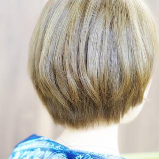 ボブ ショート ハイライト ナチュラル ヘアスタイルや髪型の写真・画像