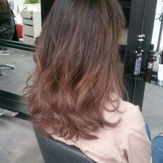 グラデーションカラー 大人かわいい セミロング ブラウン ヘアスタイルや髪型の写真・画像
