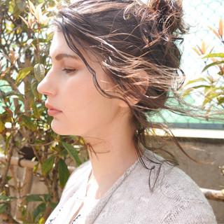 アンニュイ セミロング ウェーブ ナチュラル ヘアスタイルや髪型の写真・画像