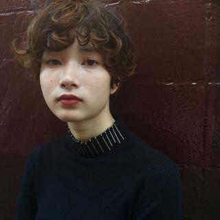 外国人風 パーマ 黒髪 ショート ヘアスタイルや髪型の写真・画像