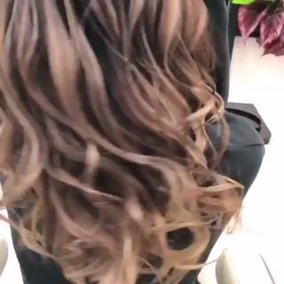 イルミナカラー バレイヤージュ ナチュラル ハイライト ヘアスタイルや髪型の写真・画像