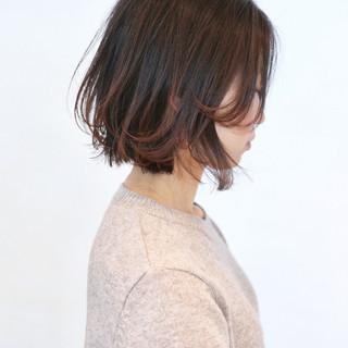 レイヤーボブ グラデーションカラー ピンク 切りっぱなしボブ ヘアスタイルや髪型の写真・画像