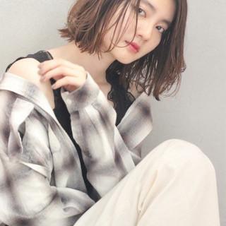 モード ウェットヘア 透明感 ウェーブ ヘアスタイルや髪型の写真・画像