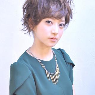 かわいい パーマ 簡単ヘアアレンジ ナチュラル ヘアスタイルや髪型の写真・画像