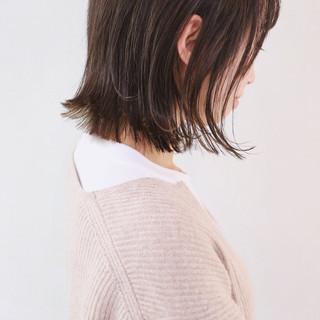 レイヤーボブ グレージュ ボブ ハイライト ヘアスタイルや髪型の写真・画像