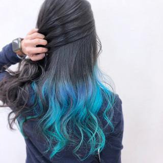 ロング アンニュイ 個性的 ブルー ヘアスタイルや髪型の写真・画像
