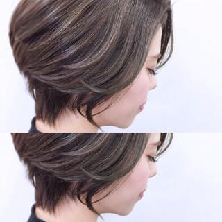 ショート こなれ感 上品 小顔 ヘアスタイルや髪型の写真・画像 ヘアスタイルや髪型の写真・画像
