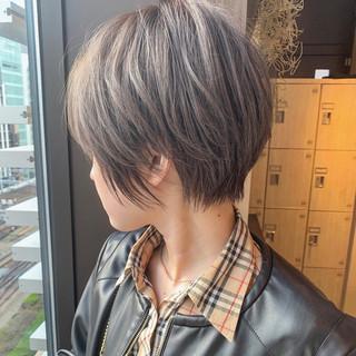 イルミナカラー ショートヘア ナチュラル ショートボブ ヘアスタイルや髪型の写真・画像