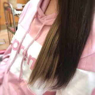インナーカラー ミルクティー ナチュラル ロング ヘアスタイルや髪型の写真・画像