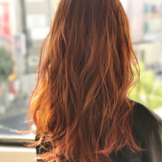 ナチュラル レッド セミロング インナーカラー ヘアスタイルや髪型の写真・画像