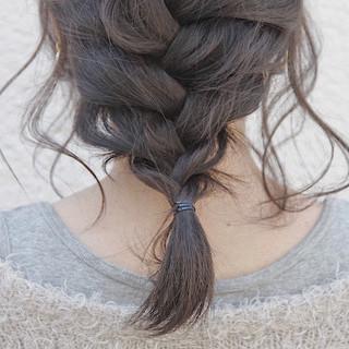 ロング ヘアアレンジ ナチュラル オフィス ヘアスタイルや髪型の写真・画像