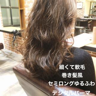 パーマ アンニュイほつれヘア ゆるふわパーマ デジタルパーマ ヘアスタイルや髪型の写真・画像