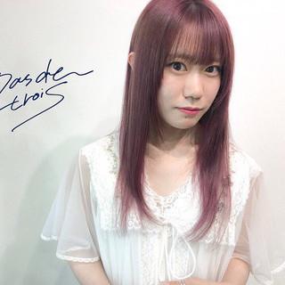 ピンクアッシュ ロング ハイトーン ラベンダーピンク ヘアスタイルや髪型の写真・画像