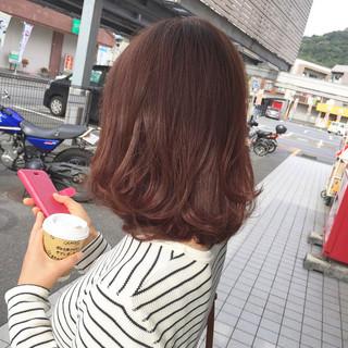レイヤーカット ミディアム ゆるふわ フェミニン ヘアスタイルや髪型の写真・画像