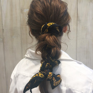 ヘアアレンジ フェミニン オフィス ミディアム ヘアスタイルや髪型の写真・画像