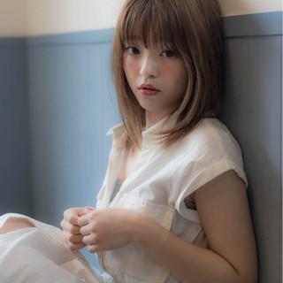 小顔 フェミニン こなれ感 ミディアム ヘアスタイルや髪型の写真・画像