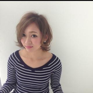 ショート モテ髪 アッシュ フェミニン ヘアスタイルや髪型の写真・画像