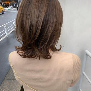 アンニュイほつれヘア アッシュグレージュ ウルフカット 切りっぱなしボブ ヘアスタイルや髪型の写真・画像
