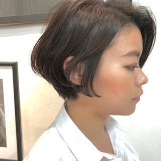 ショート アンニュイほつれヘア ナチュラル デート ヘアスタイルや髪型の写真・画像 ヘアスタイルや髪型の写真・画像