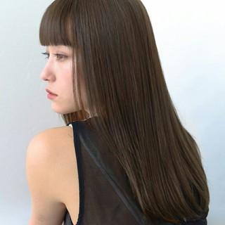 アッシュ グレージュ 前髪あり セミロング ヘアスタイルや髪型の写真・画像