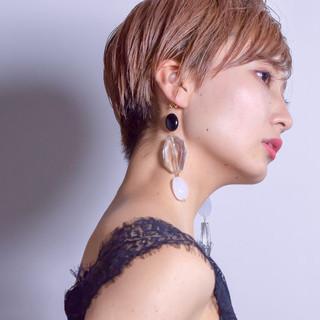 色気 ダブルカラー ショート ベリーショート ヘアスタイルや髪型の写真・画像