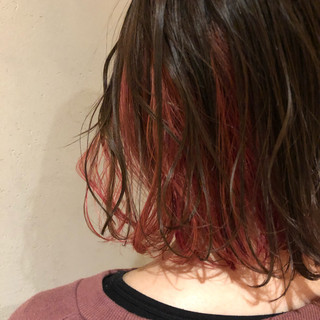 ピンクバイオレット インナーカラー チェリーレッド フェミニン ヘアスタイルや髪型の写真・画像