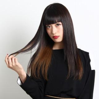 インナーカラー ロング ストレート 黒髪 ヘアスタイルや髪型の写真・画像 ヘアスタイルや髪型の写真・画像