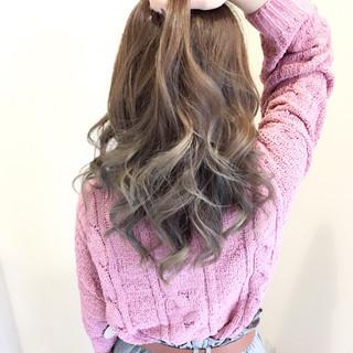 モテ髪 ミディアム フェミニン 透明感 ヘアスタイルや髪型の写真・画像