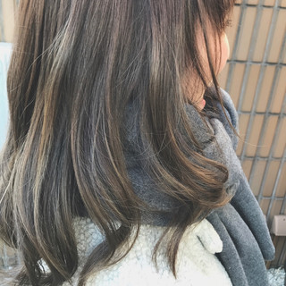 ハイライト グラデーションカラー ミディアム アッシュ ヘアスタイルや髪型の写真・画像