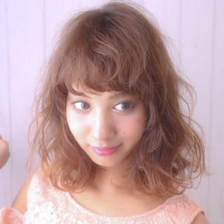 パーマ 前髪あり ボブ フェミニン ヘアスタイルや髪型の写真・画像