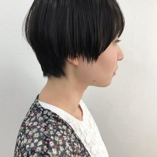 暗髪女子 小顔ショート ナチュラル 黒髪 ヘアスタイルや髪型の写真・画像 ヘアスタイルや髪型の写真・画像