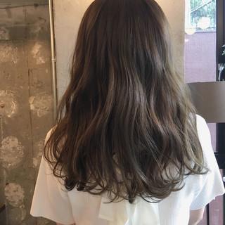 デート オフィス 外国人風カラー アンニュイ ヘアスタイルや髪型の写真・画像