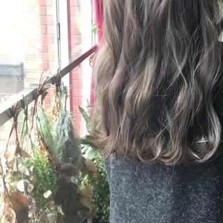 セミロング アンニュイほつれヘア ナチュラル 韓国ヘア ヘアスタイルや髪型の写真・画像