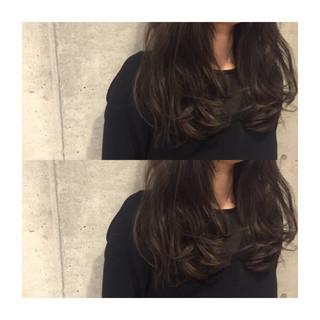 外国人風 セミロング 暗髪 ストリート ヘアスタイルや髪型の写真・画像