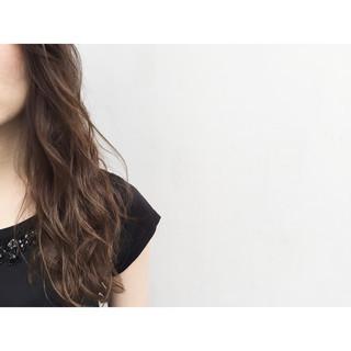 ナチュラル アッシュ 暗髪 フェミニン ヘアスタイルや髪型の写真・画像 ヘアスタイルや髪型の写真・画像